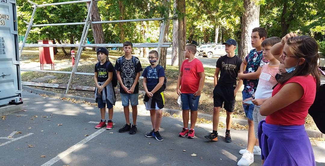 Obisk učencev obalnih šol v vojaškem muzeju Pivka